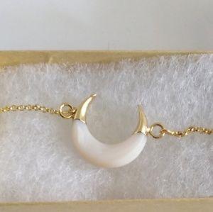 """""""Luna"""" White Shell Crescent horn bracelet"""
